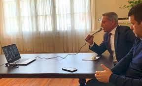 Arcioni habló por videoconferencia con Sastre y diputados oficialistas
